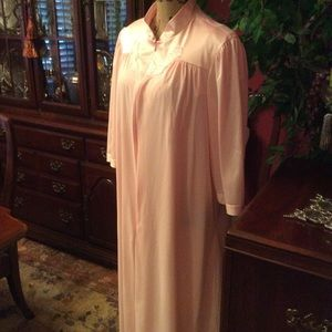 Vintage Vanity Fair Peignoir set
